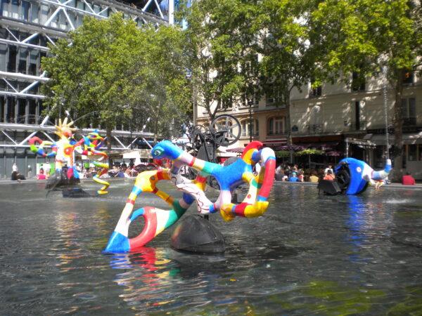 quartier des Halles-Beaubourg visio conférence fontaine des innocents centre pompidou fontaine Tinguely Niki de Saint Phalle